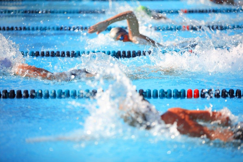 swimmers doing lapses